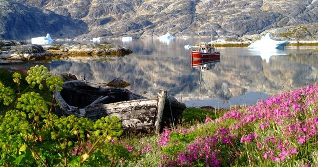 Navigazione in un fiordo groenlandese (foto Ilovegreenland da Flickr)