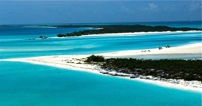 La spiaggia di Nassau (foto Bahamas Tourist Office)