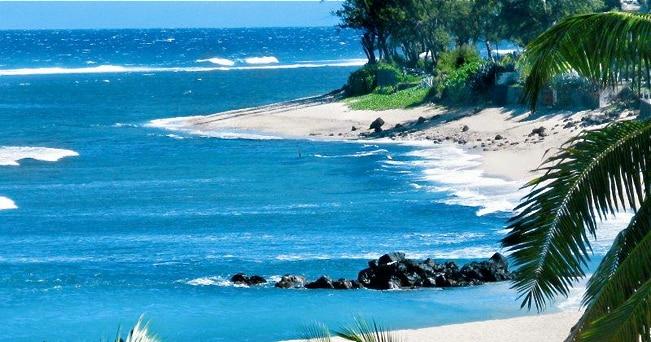 Una spiaggia dell'Isola de La R�union (foto WillGoTo.com)