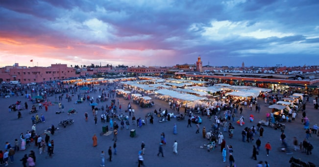 Piazza Jamaa El Fna, uno dei luoghi della Biennale (foto Milestone Media)