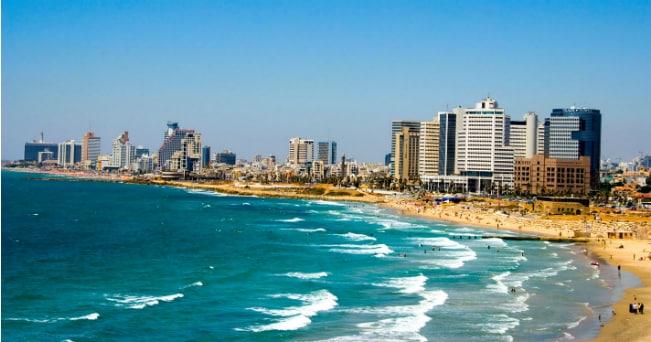Il lungomare di Tel Aviv (foto Milestone Media)