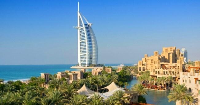 il Burj al Arab, hotel di 321 metri di altezza (foto Milestone Media)
