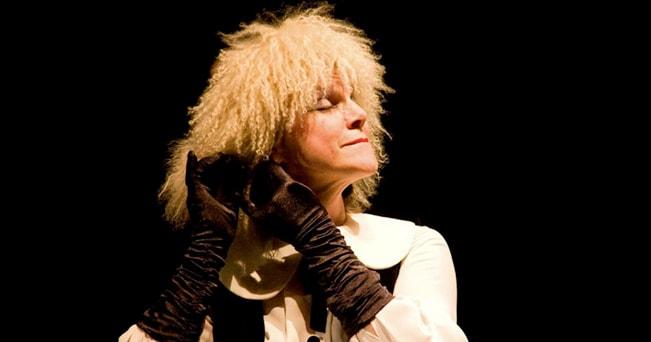 L'attrice inglese Sally Elsbury in No Kissing (foto Alessio Ferraro)
