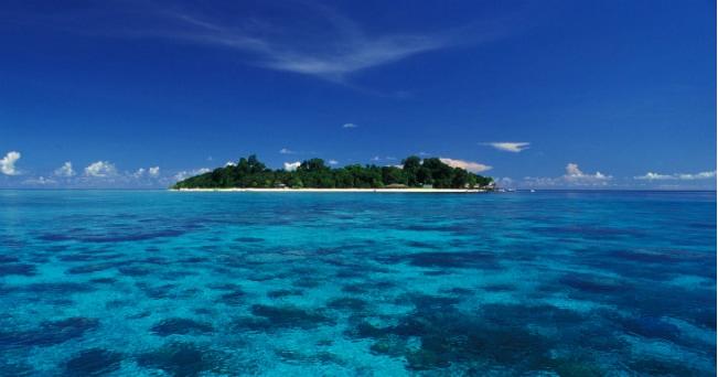 Veduta di un'isola del Borneo, in Malesia (foto Milestone Media)