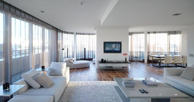 Una suite di ispirazione zen del Mandala hotel