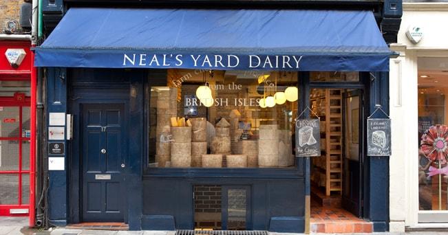 Il Neal's Yard Dairy, noto negozio di formaggi di Londra (foto Alamy/Milestone Media)