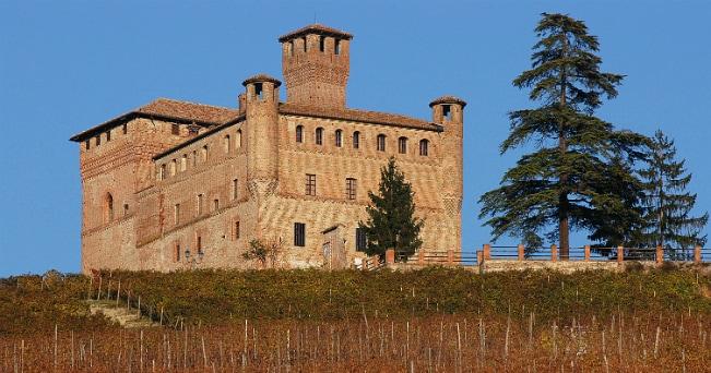 Il castelloGrinzane Cavour è uno dei luoghi del festival         (Davide Dutto - Archivio Ente Turismo Alba Bra Langhe Roero)