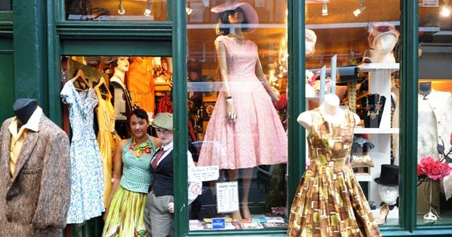 """Il negozio vintage """"Blackout II"""" in Covent Garden (foto Beppe Calgaro)"""