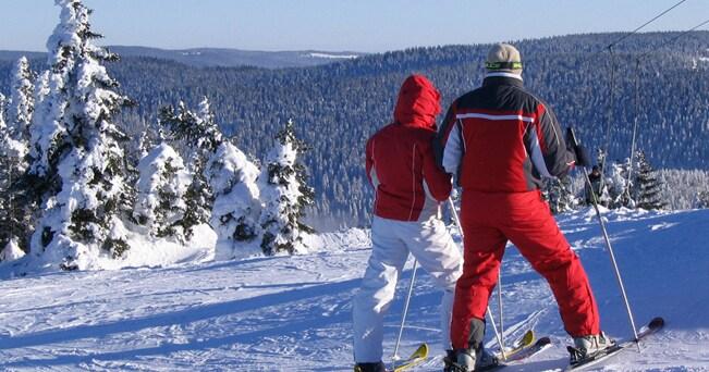 Due sciatori sul comprensorio del Pohorje (foto M. Petrej da maribor-pohorje.si)