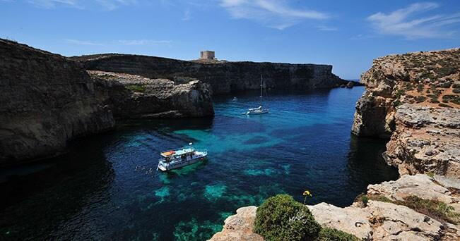 Una bella insenatura a Comino (PH Visit Malta)