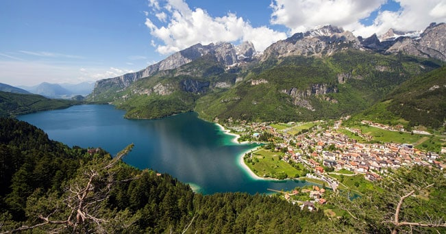 Laghi d 39 italia il pi bello molveno il sole 24 ore for Disegni di laghi