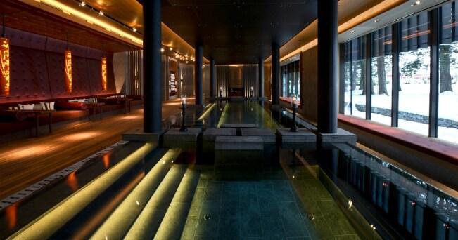 Nella Valle di Orsera, tra le Alpi svizzere si trova l'hotel The Chedi Andermatt  con la sua spa di 2400 mq  (ph da Ufficio Stampa)