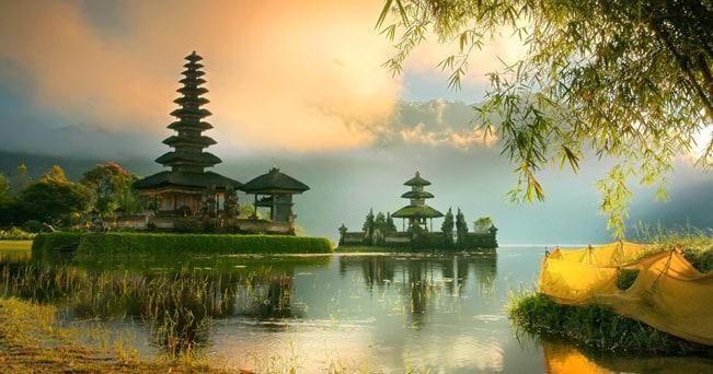 Il tempio induista di Uluwatu, uno dei più importanti di Bali