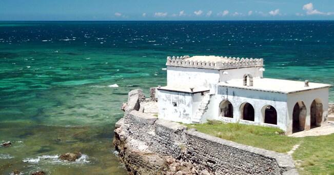La cappella di Nossa Senhora do Baluarte, nell'Ilha de Mozambique (foto Zute Lightfoot/Alamy)