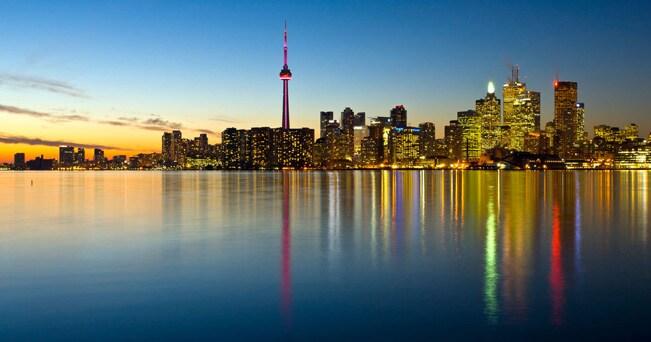 Lo skyline di Toronto (foto Performance Image / Alamy)