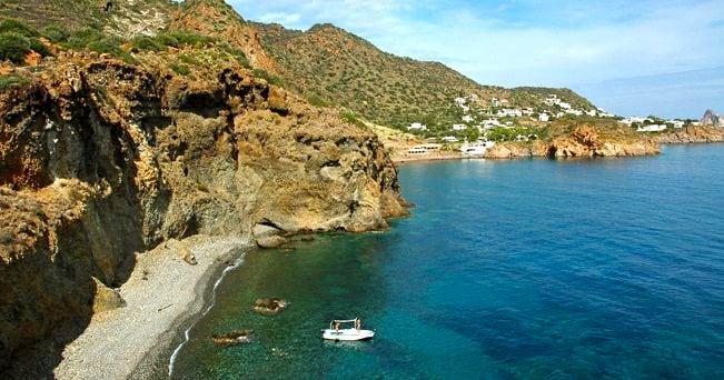 L'isola di Panarea (foto Alamy/Milestone Media)
