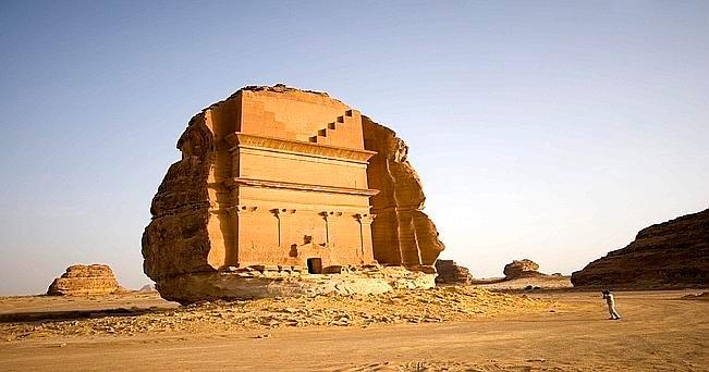 Arabia Saudita: la tomba di Qasr Farid nel sito archeologico di Mada'in Saleh (foto Aldo Pavan)