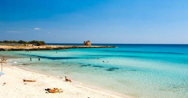 Una spiaggia vicino a Porto Cesareo (foto Alamy/Milestone Media)