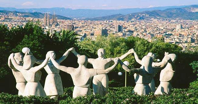 Il monumento alla Sardana, danza popolare catalana sulla collina del Montjuïc