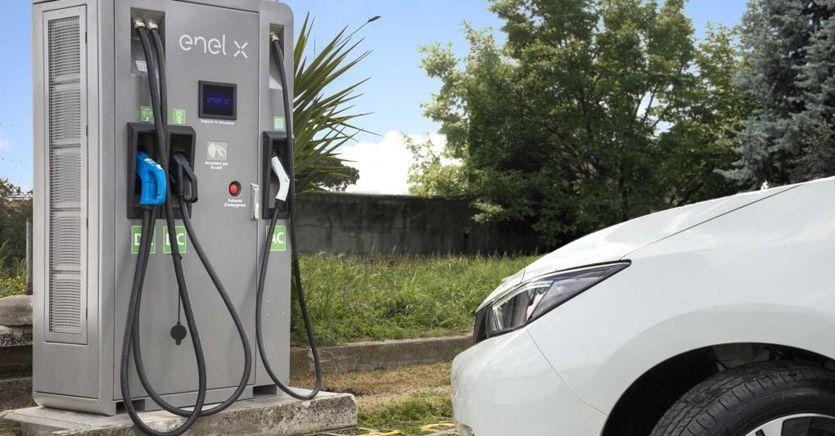 EnelX: «Saremo leader nei servizi all'auto elettrica»