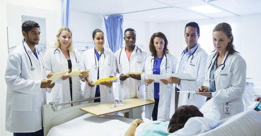 Sanità: per 130mila medici nuovo contratto dopo 10 anni. Aumento medio di 200 euro