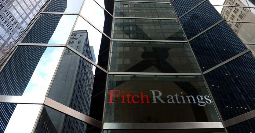 Il peso dell'incertezza non cambia il rating di Fitch, ora occhi puntati sulla manovra d'autunno