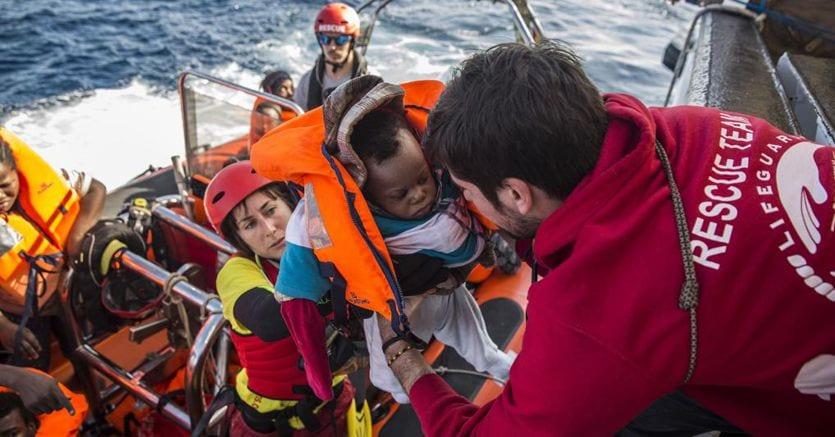 """La nave """"Open Arms"""" soccorre altri 39 migranti"""
