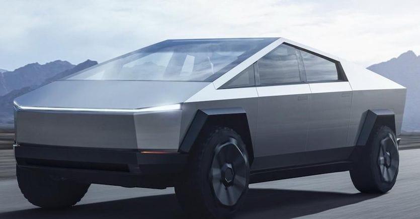 Tesla Cybertruck, ecco l'avveniristico e «originale» pick-up elettrico di Elon Musk
