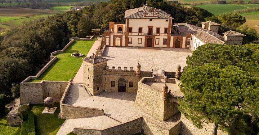 L'Accademia hi-tech per il benessere dei capelli nel Castello di Solfagnano