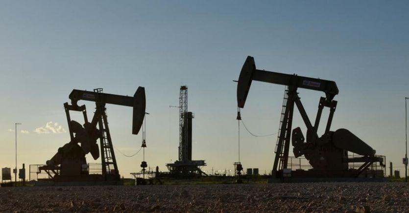 Il petrolio a 20 dollari le trivelle. perchéè un rischio per tutti thumbnail