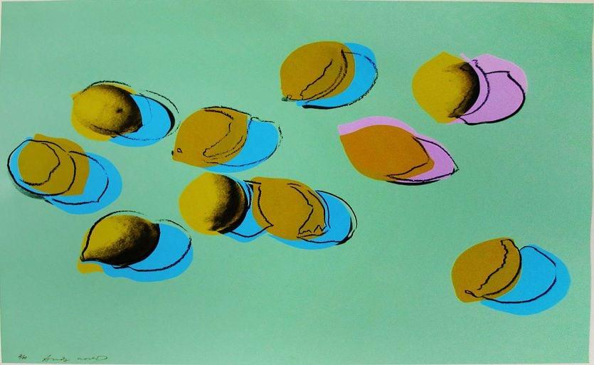 Limoni, «petrolio» dell'epoca del coronavirus: Umberto Eco aveva previsto tutto