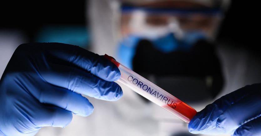 Tester rapidi per scoprire chi è immune, il Governo studia la fase due e le Regioni corrono thumbnail