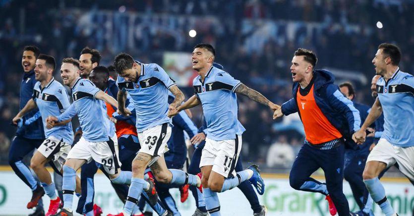 Calcio, la Lazio nei conti batte Juve e Roma. I bilanci peggiorano