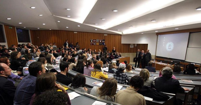 Università: la Sicilia «paga» 1.200 euro ai suoi studenti che non tornano al Nord