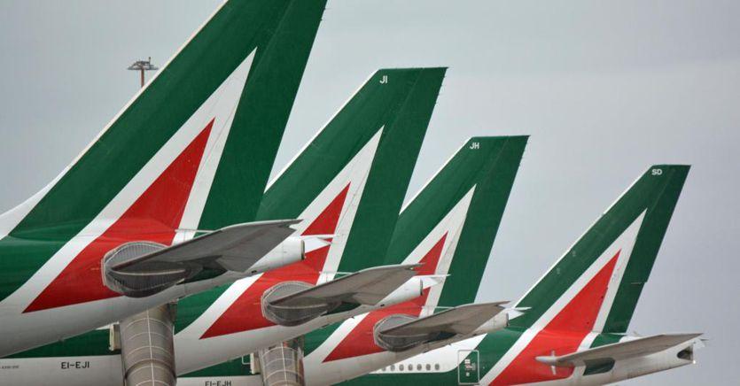 Alitalia, l'annuncio di Conte: Caio presidente e Lazzerini ad