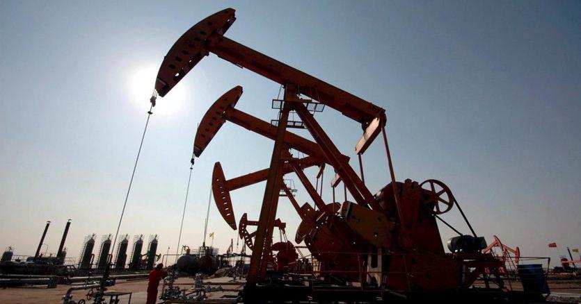 Petrolio, Opec Plus verso un approccio prudente sui tagli