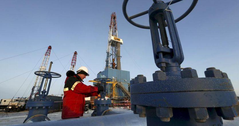 Petrolio, ora il vertice Opec Plus rischia di saltare (con parte dei tagli)