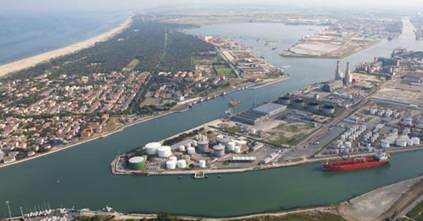 Porto di Ravenna, alla cordata italo-belga la costruzione del nuovo hub