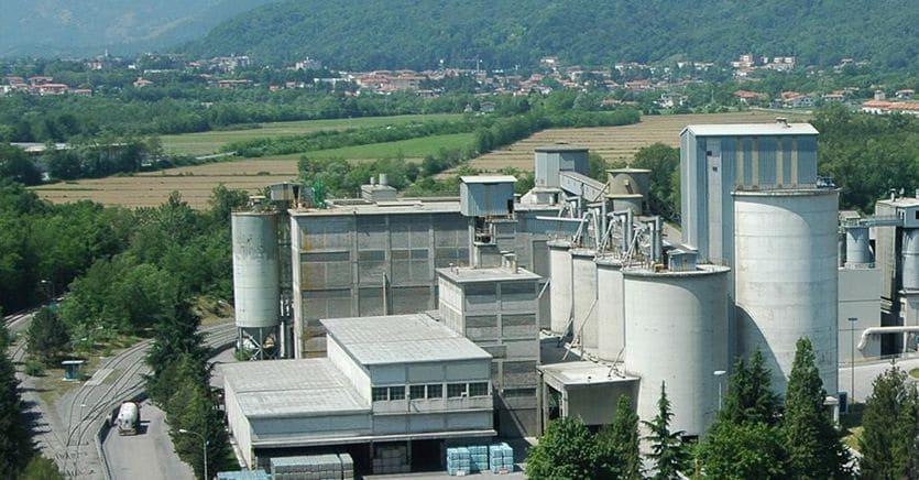 Sprint delle costruzioni in Borsa con maxi piani infrastrutture, Buzzi vola a Milano