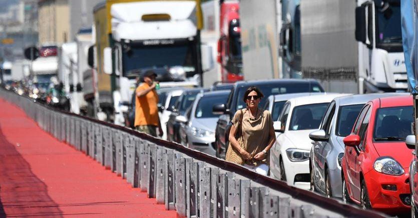 Vacanze italiane, tutti i cantieri stradali che frenano il grande esodo thumbnail