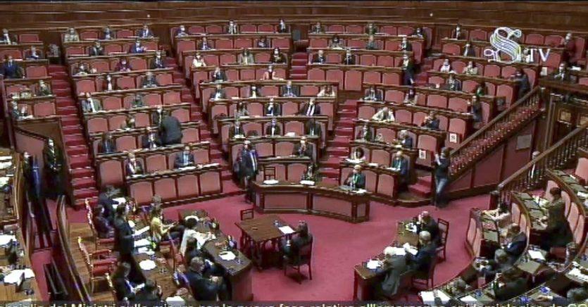 Scostamento di bilancio, via libera delle Camere. La maggioranza apre sul Mes, ma senza citarlo thumbnail