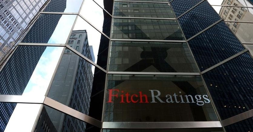 Fitch conferma rating Italia BBB-, outlook stabile
