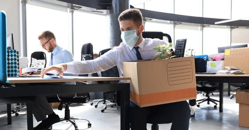 Lavoro, Istat: 500.000 posti persi, un terzo delle imprese a rischio thumbnail