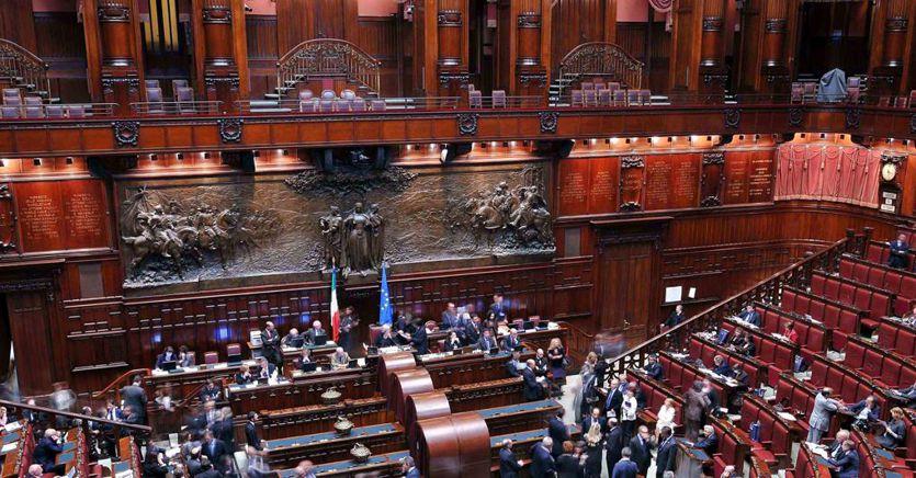 Scostamento di bilancio, stato d'emergenza, commissioni: la settimana calda del Parlamento thumbnail