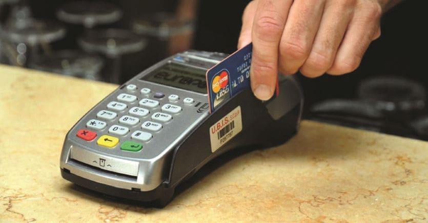 Decreto agosto: bonus sui pagamenti Pos per spingere i consumi thumbnail