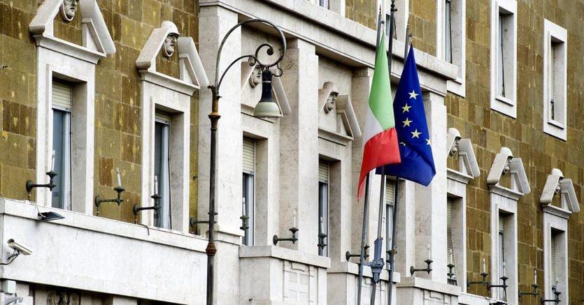 """Sorteggio, quote rosa e stop alle """"porte girevoli"""": in pista la delega che riforma il Csm thumbnail"""