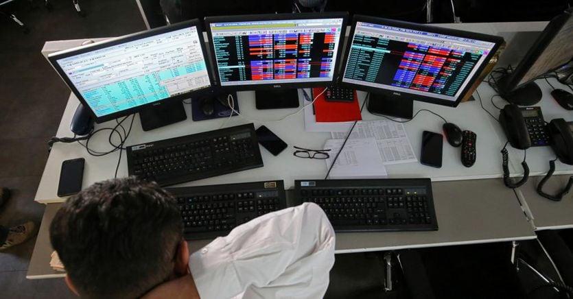 Truffe online, l'opposizione chiede al Governo il divieto del trading in rete thumbnail