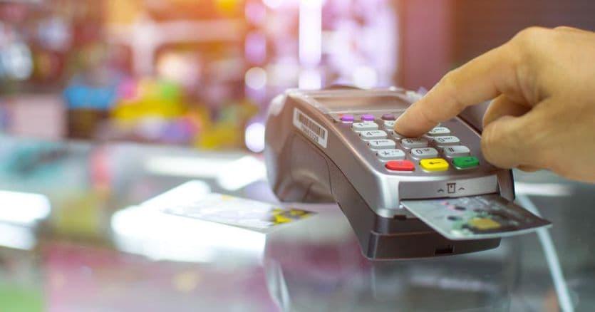 Il piano cashless del governo: rimborsi fino a 3mila euro per i pagamenti con carta e concorso a premi thumbnail