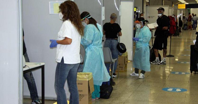 Coronavirus, ultime notizie. In Italia 1.695 nuovi contagi con 107mila tamponi e 16 vittime. Stabili le terapie intensive (121) thumbnail