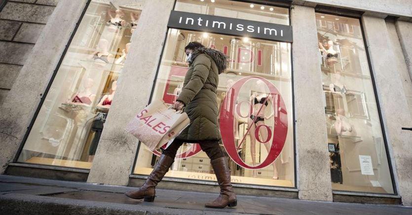 I saldi non rilanciano i consumi: vendite in picchiata del 33%